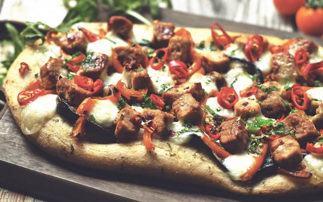 Pittige Flatbread Pizza met Quorn Vegetarische Stukjes