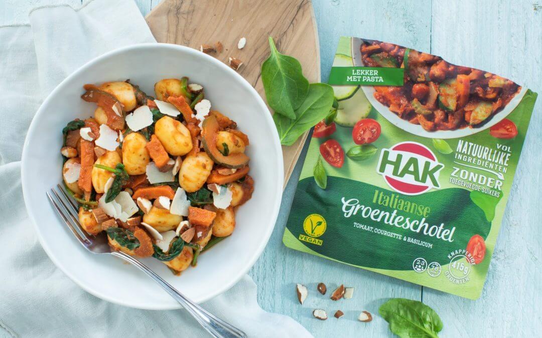 Gnocchi met HAK Italiaanse Groenteschotel en spinazie