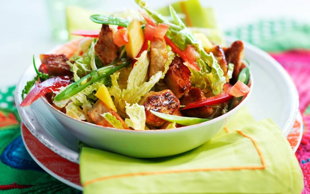 Oosterse Salade met Thaise Currysaus