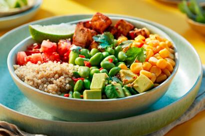 Aziatische quinoa bowl met tofu
