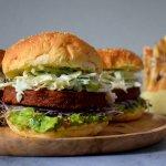 Plantaardige Supreme Burger met Coleslaw en Guacamole