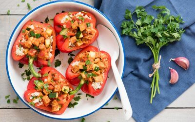 Gevulde paprika's met bloemkoolrijst en Tofu a la minute