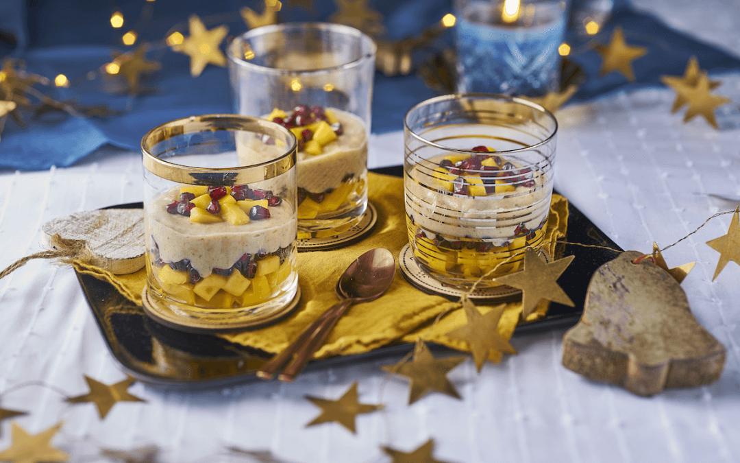 Feestelijk dessert: vanillecustard met mango en granaatappel